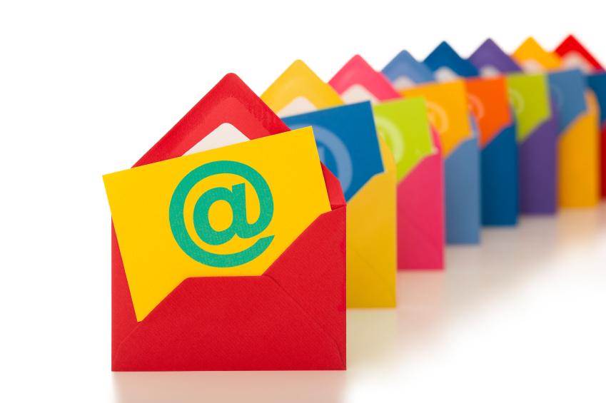 ارتباط مستمر با کاربران از طریق ایمیل